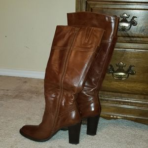 Gorgeous whiskey colored boots